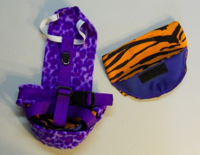 Big Cat Duck Diaper Holder Harness back